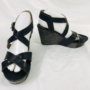 Kenneth Cole Grey Black Wedge Strappy Sandals 8.5